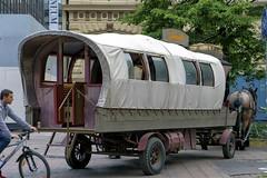 Amarillo (Jori Samonen) Tags: street horse finland wagon restaurant helsinki carriage amarillo biker cart mikonkatu