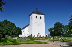 Ramdala kyrka, Blekinge (Bochum1805) Tags: church churchyard kyrka kyrkogrd puts buxbom kyrktorn ramdala ramdalakyrka