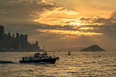 DSC_8507.jpg (terrytang123) Tags: island sunset ship sunbeam godlight
