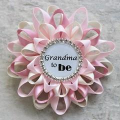 Baby shower pins! http://buff.ly/2ifpgEu #etsy #gifts #moms #babyshower #pregnancy #newmom (petalperceptions.etsy.com) Tags: etsy smallbiz flowers jewelry