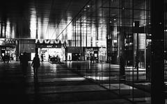 Reflection 2 (hatsunica) Tags: ガラス glass 反射 reflection 秋葉原 akihabara snapshot