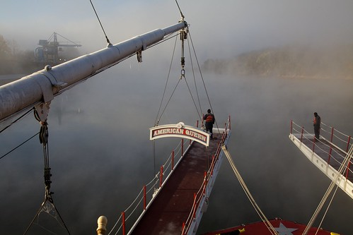 cumberlandriver day fog kentuckylandbetweenthelakes riverboat steamboat usa watch