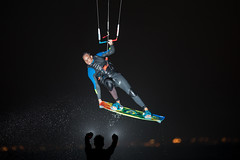 Night Session (Gatria) Tags: afrika africa south süd zuid cape town kaapstad kapstadt bloubergstrand blouberg beach night session kiteboarding kitesurfing flashlight flash nacht twilight citylights fone board grab kite kiteboard acid silhouette spray water wasser watersport wassersport action sport colors colorful pilot lufthansa black background canon 5d mk iv ef 300mm 28 l ii jump fun funsport model