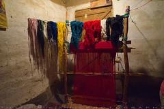 Manual carpet looms (T Ξ Ξ J Ξ) Tags: morocco atlasmountainsroad todragorge fujifilm xt1 teeje fujinon1024mmf4 looms berber mud clay house