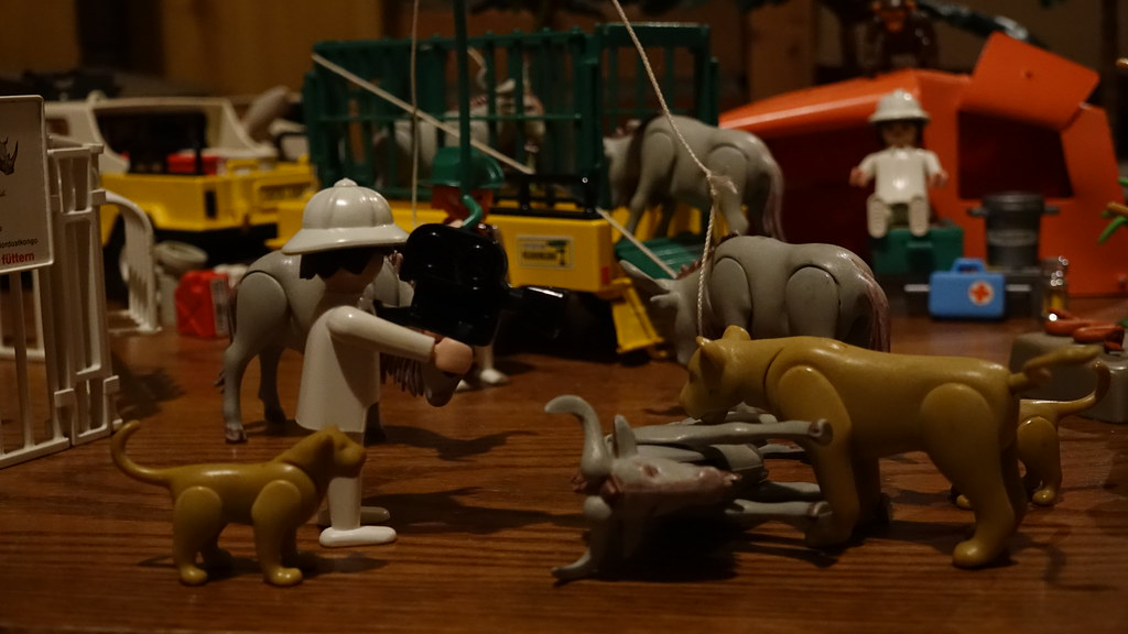 The world 39 s best photos of playmobil and safari flickr for Wohnzimmer playmobil
