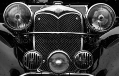 (-(Jonathan)-) Tags: old light england tractor train downs countryside kent village diesel north working railway steam area wooded bredgar bwlr bredgarwormshilllightrailway wormshill 2footgaugeline