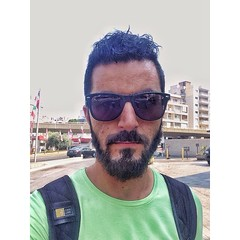 وبعزّ الشوب بصوّر حالي حتى شوف قديه انا مشوّب #Beard #Green (Waelboy) Tags: square squareformat iphoneography instagramapp uploaded:by=instagram
