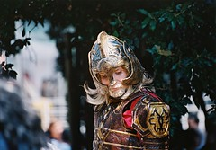 Melancholy (Jrmy C. (Kodje)) Tags: film japan canon expo cosplay kodak iso400 14 f1 lord ring 400 l lordoftherings hobbit portra tolkien rohan argentique fd 80200mm leseigneurdesanneaux seigneur 2015 canonf1 theoden anneaux japanexpo rohirrim canonf1old