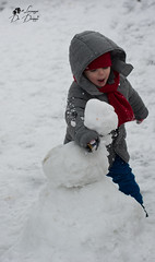 La felicità do vedere per la prima volta la neve (lulo92) Tags: snow neve ice ghiacci pupazzo felicità beauty happy crazy pazzo fun top nikontop 50mm nikon nikont50mm serrano raro rare salento apulia puglia itali lecce