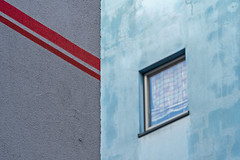 red line + window (Blende1.8) Tags: rot red fassade facade aquamarin türkis window fenster line linie rotelinie redline architecture architektur outdoor sony alpha ilce6500 a6500 18105mm carstenheyer wuppertal elberfeld city urban abstract minimalism colors colours colour color