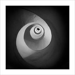 Santa Catalina (ximo rosell) Tags: ximorosell bn blackandwhite blancoynegro bw arquitectura architecture llum light luz valencia torres squares stairs stairsofthetower nikon d750 spain
