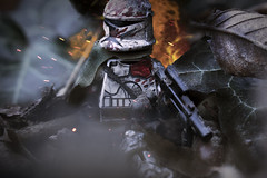 Carry on Trooper. (Ser Eathan) Tags: lego star wars clone trooper scroch pew