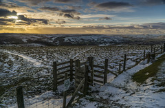 Afternoon Sun (l4ts) Tags: landscape derbyshire peakdistrict darkpeak hopevalley callowbank stanageedge lateafternoon snow winter gate cloudscape