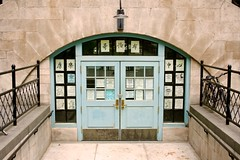 哥倫布康樂中心 Columbus Recreation Center (Brian Aslak) Tags: door nyc newyorkcity usa newyork downtown chinatown unitedstates manhattan doorway northamerica columbuspark 美国 纽约 華埠 曼哈頓 曼哈頓華埠 哥倫布康樂中心 columbusrecreationcenter