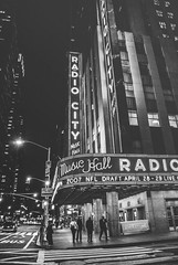Radio City Music Hall (pinhead1769) Tags: usa newyork building blancoynegro blackwhite radiocitymusichall bwdreams