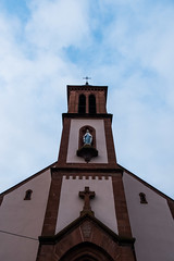 Facade grise (Slamino) Tags: eglise ciel couleur facade portail icone marie croix portrait