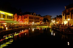 Annecy (7) / França / Francia (Ull màgic (+1.000.000 views)) Tags: annecy freiburg france francia nucliantic nit reflexes reflejos canal aigua agua edifici arquitectura fuji xt1