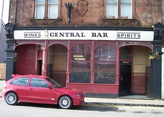 Central Bar, Renton (Son of Groucho) Tags: bar 2006 renton valeofleven