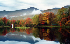 Indian Head Resort (WhiteGoldWielder) Tags: new autumn england usa mountains fall colours head indian newhampshire hilton nh hampshire resort explore lincoln blogged autumnal mountlafayette mountlincoln oct00 nhphototour amazingmountain