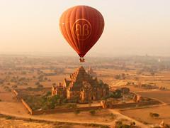 P1250168 (Kelly Cheng) Tags: temple balloon myanmar paya bagan dhammayangyi pickbykc