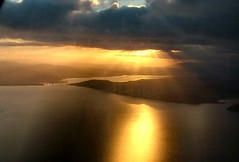Sunburst over the Inverness Firth (ccgd) Tags: sky scotland highlands ba fromtheair lochness inverness intheair saab340 loganair i500 invernessfirth specland