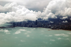 Very low Clouds (caribb) Tags: usa chicago america wow flying illinois amazing fantastic unitedstates great landing traveling theunitedstatesofamerica