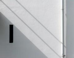 (akiruna) Tags: light shadow white abstract netherlands dutch lines wall 1025fav 510fav utrecht shadows geometry curves line architect minimalism rietveld geometrie gerritrietveld dutcharchitect 10favs rietveldschreuderhouse thestyle abernaki akiruna haphazart annemiehiele haphazartgeometrics haphazartwhite wwwannemiehielenl annemiehielenl