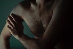 342 // 366 - Untitled (Job Abril) Tags: autorretrato selfportrait cuerpo malebody nude artisticphotography conceptualphotography 365 nikon blue skin