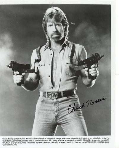 Chuck Norris - Uzis Blazin' (Invasion USA)