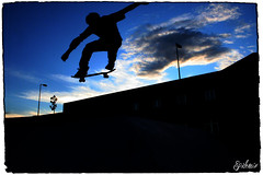 Sk8 Silueta (EPIDEMIA_) Tags: madrid sky espaa cloud topf25 1025fav wow lafotodelasemana spain 500v20f skateboarding ollie skatepark skate nubes skateboard skater silueta epidemia sk8 getafe silhuette santiagoarenas 012006 mes012006 lfsnubes