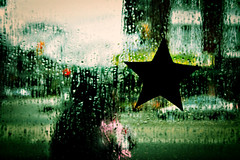 Just Another Rainy Day (dzgnboy) Tags: toronto interestingness stclair contact myeverydaylife dzgnboy img5111 250paces fauxpro picturethecure2006 boubahs ptcpromo06 utataspace utatapaints