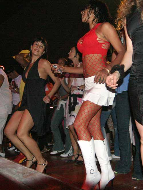 Cuba: fotos del acontecer diario - Página 6 82712423_7e8040154b_o