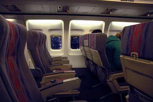 United 737-300