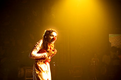 clown's sunset (© Tatiana Cardeal) Tags: 2005 brazil brasil digital hope topf50 circo circus documentary social tt invenciblespirit carf diadema tatianacardeal ong ngo brésil documentaire documentario childrenatriskfoundation thesecretcircus