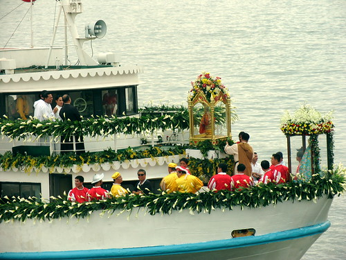 sinulog 2006 - sto. niño enters the fluvial parade