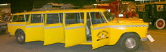 Checker Taxi Cab (gill4kleuren) Tags: cab taxi checker aerobus
