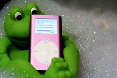 you got me floatin' (pinkbelt) Tags: pink music green mac bath ipod floating bubbles mini frog hendrix kitchensink shameonyou nerdical ipodportraittuesday yestheminigotwet