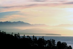 Misty Mountain (Living Juicy) Tags: ocean sky mountain clouds wow washington view personalfav whidbey naturescenes westbeach livingjuicy coupevile thechangingview lj2006