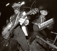 Spits (candersonclick) Tags: 2002 bw chicago cowboys livemusic guitars rockroll western keyboards blackout kaos spits