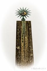 Sun Face (Mabvith) Tags: uk england sculpture sun face symbol stourhead obelisk column sunrays wiltshire nationaltrust symbolism sunface