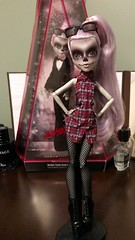 She's so gorgeous! I'll have to take better pics within the next week or two but I just had to do some quick ones 😍 (Venus_Forever) Tags: gaga zomby lady mattel doll dolls high monster