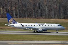United Express, Embraer E175 (Ron Monroe) Tags: unitedexpress embraer iad kiad airliners airlines n87339 unitedairlines e175 erj170