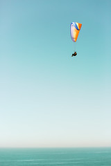 Over the West Coast (Thomas Hawk) Tags: america blacksbeach california lajolla sandiego southerncalifornia torreypines torreypinesstatebeach usa unitedstates unitedstatesofamerica beach hangglider hanggliding paraglider paragliding