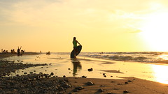 Skimboarder (ac_marvin) Tags: philippines zambales sanfelipe liwliwa beach sea shore skimboard eos canon 750d t6i rebelt6i dslr sunset pumice ngc philippinesea liwliwabeach waves abigfave