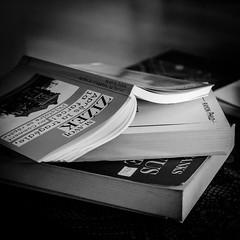 15-01-2017  14/365 - journée lecture (Patrice Dx) Tags: livres lectures naturemorte nikonpassion365 projet365