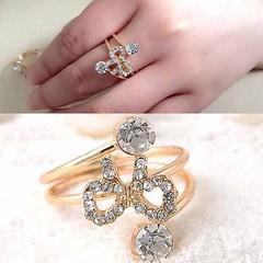 แหวนคริสตัล ใหม่แฟชั่นเกาหลีรูปโบว์สวยหรูหรา Gold Crystal Bow Rings นำเข้า สีทอง - พร้อมส่งW204 ราคา300บาท ใหม่ล่าสุดรูปโบว์ล้อมคริสตัล ขนาดแหวนฟรีไซส์ปรับขนาดได้เล็กน้อยสำหรับใส่แฟชั่นแวววับสไตล์เซเลบรันเวย์หรูเริ่ดด้วยแหวนออกงานผู้หญิงรุ่นใหม่ เก๋น้ำหนั