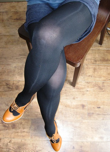 Legs in tights pics