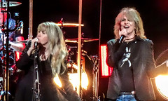 Stop Draggin' My Heart Around (BlueVoter - thanks for 1.6M views) Tags: stevienicks chrissiehynde pretenders tompetty stopdraggin livemusic concert rockmusic womenperformers sanjose