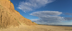 Reighton sands, Filey Bay, North Yorkshire (Keartona) Tags: filey bay northyorkshire yorkshire england britain coast coastline beach reighton sands sand morning sunny panorama landscape sky cliffs orange geology