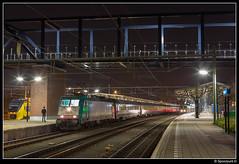 NMBS 2833 - 9256 (Spoorpunt.nl) Tags: 5 februari 2017 nmbs 2833 traxx benelux trein 9256 station roosendaal avond nacht